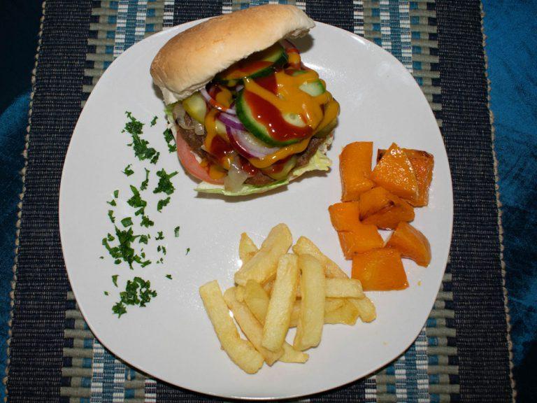 VillaBuild-your-own-burger