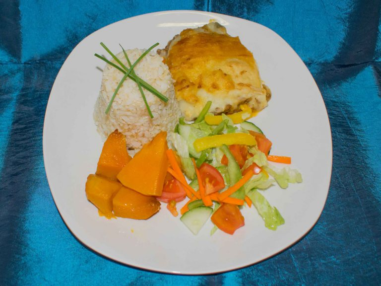 students-main-meal